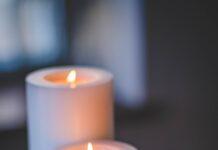 Świece zapachowe w salonie